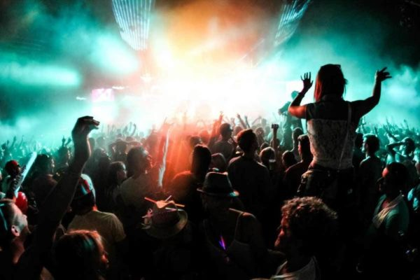 Listing of live music venues in Seattle